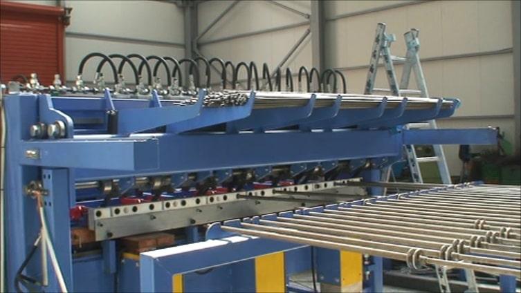 Construction mesh welding lines